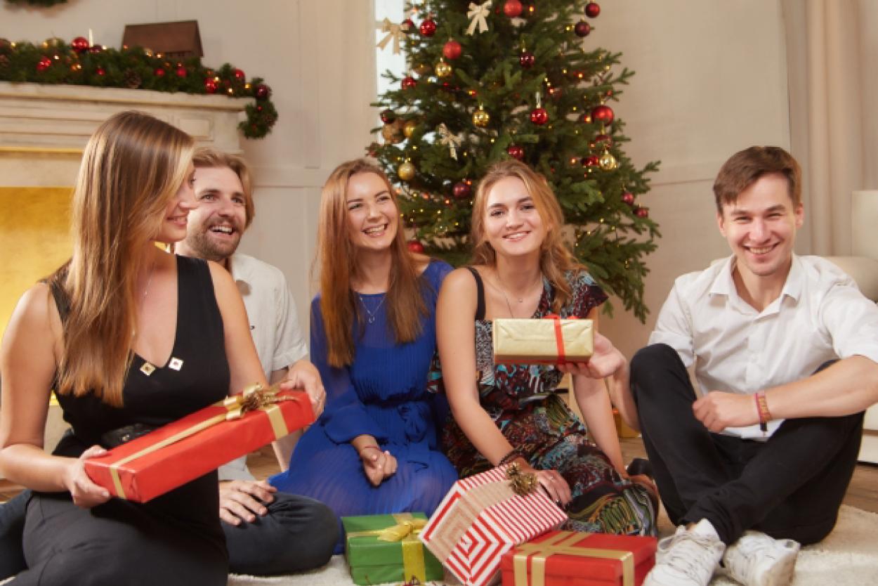 クリスマスパーティー 外国人