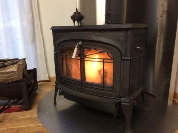 暖炉 リビング 炎