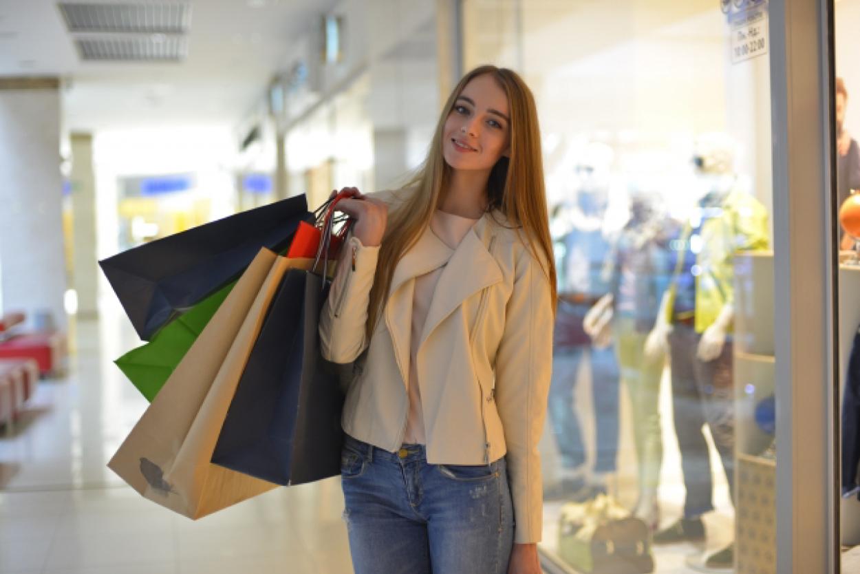 女性 外国人 買い物