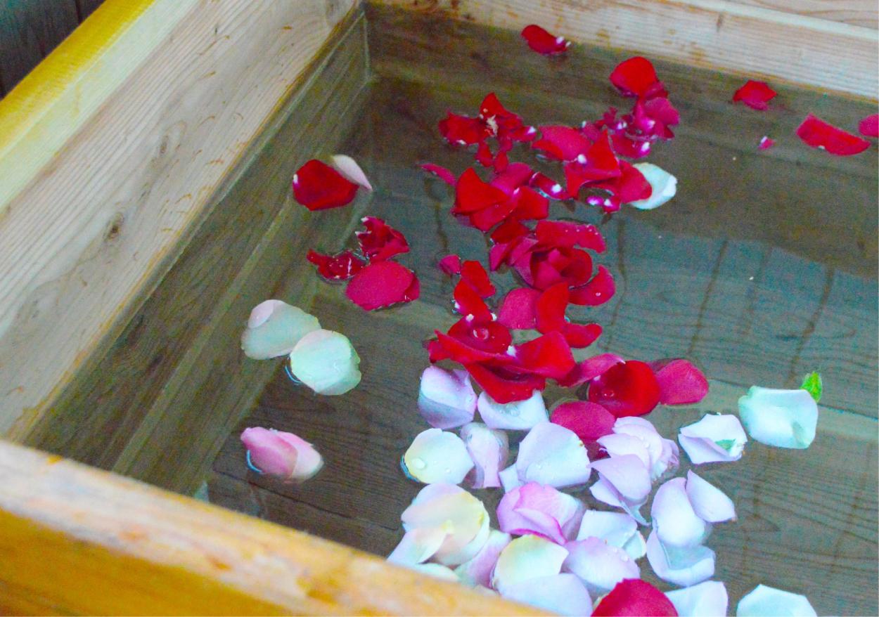 風呂 湯船 薔薇