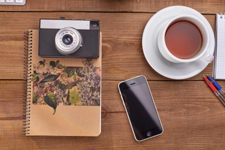 コンパクトデジタルカメラ スマホ コーヒー