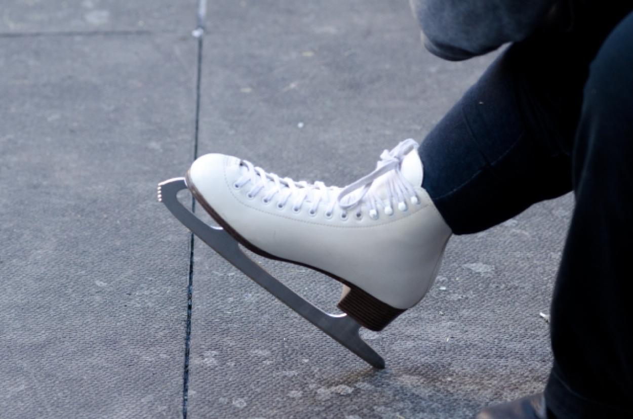 アイススケート 靴 片足