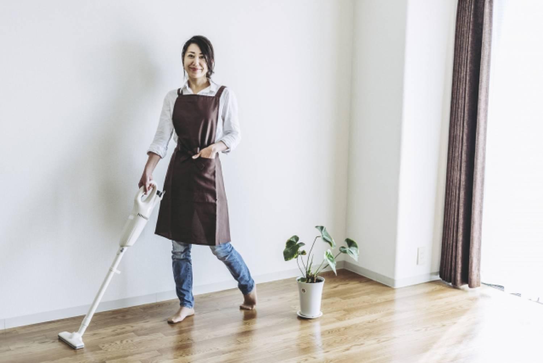 女性 クリーナー 掃除機