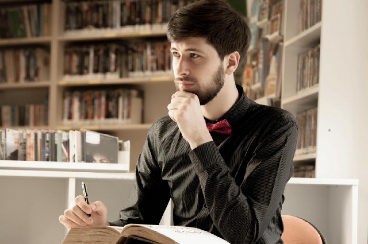 読書 男性