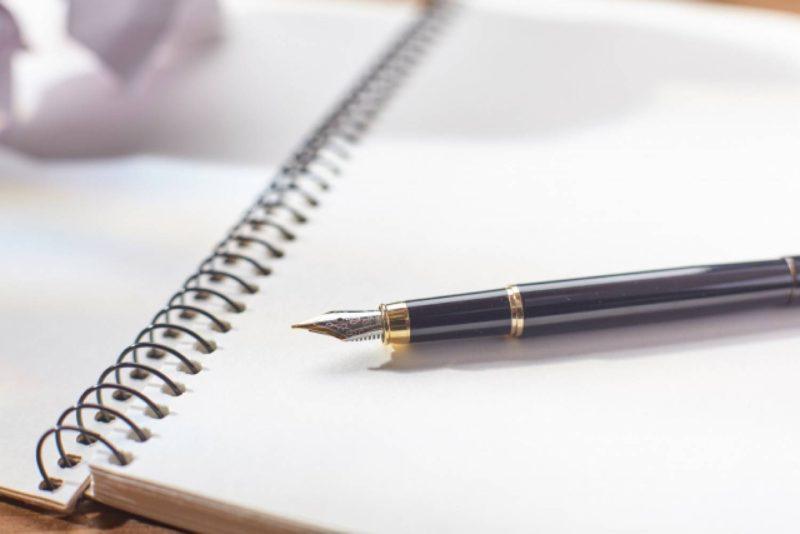 リングノートと万年筆