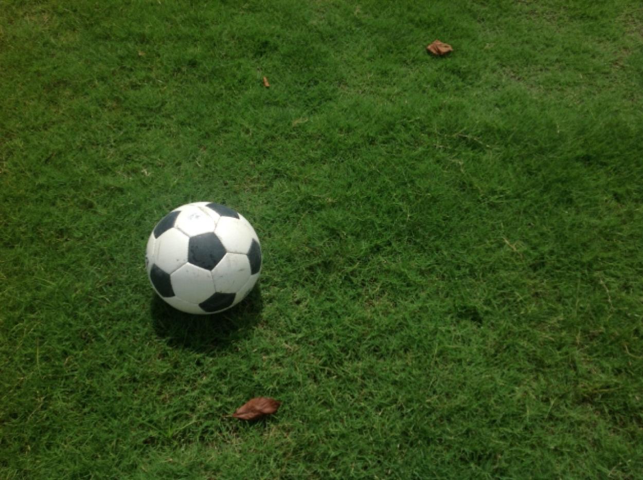グラウンド サッカーボール