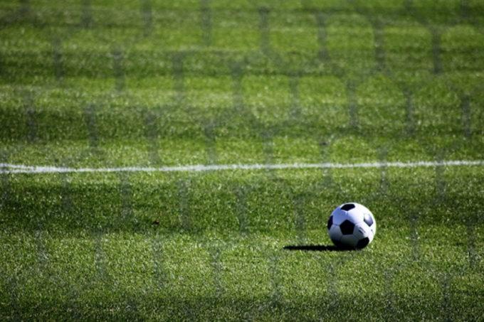 サッカーグラウンド サッカーボール