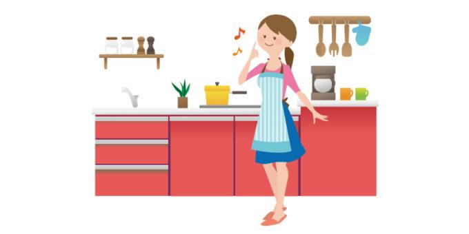 キッチン 女性 笑顔