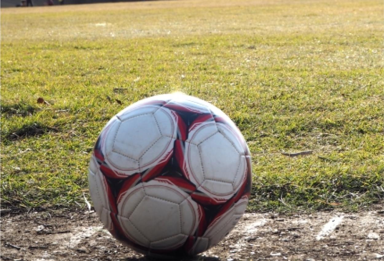 サッカーボール サッカーグラウンド