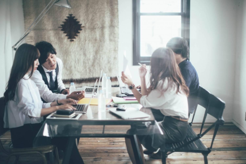 オフィス 男性 女性 ビジネス