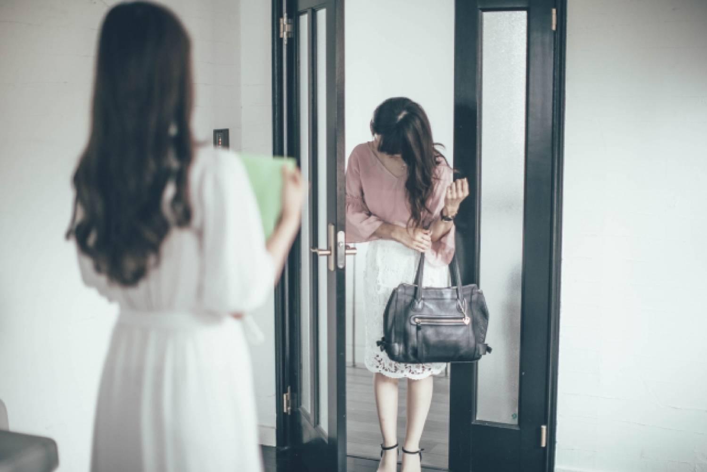 女性 ビジネスパーソン ビジネス オフィス