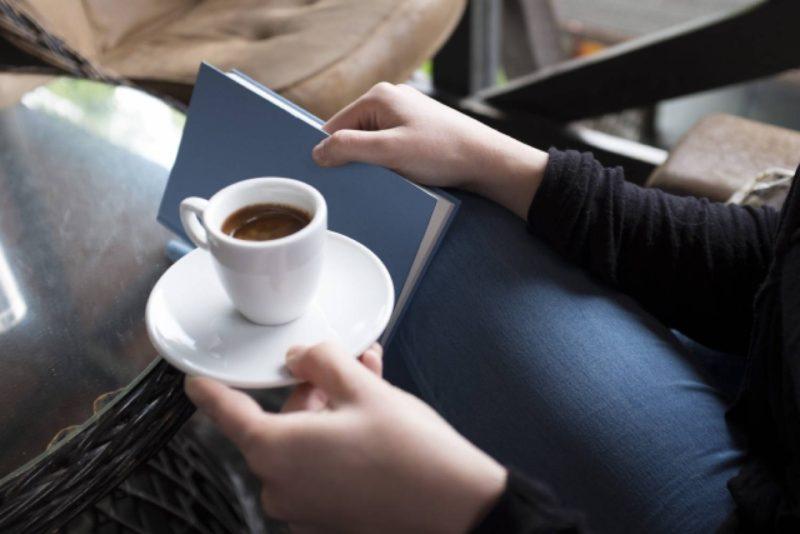 本 コーヒー 女性