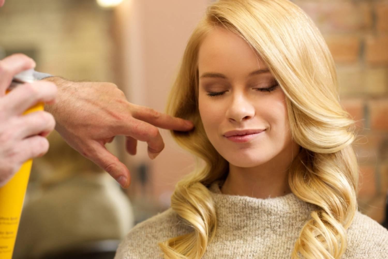女性 外国人 スタイリスト 髪型