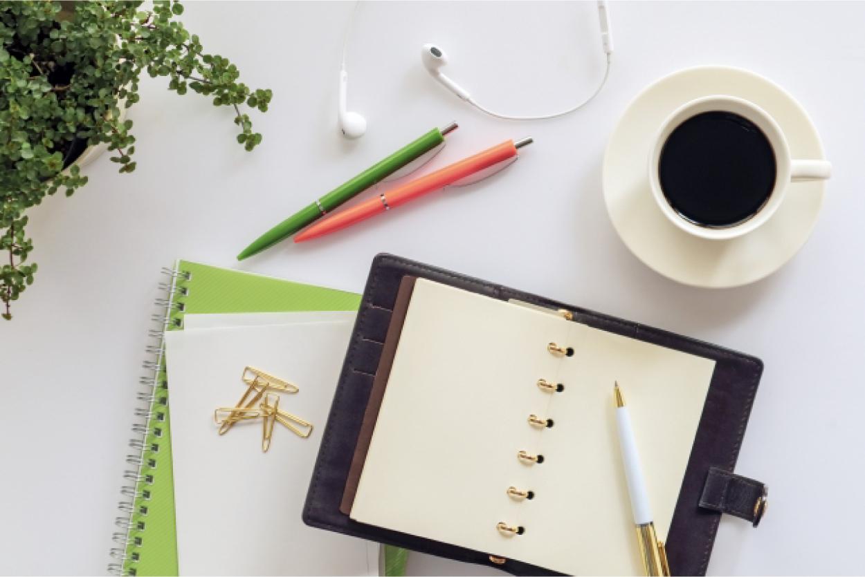 イヤホン コーヒー 筆記用具