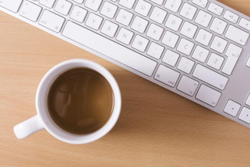 パソコン キーボード コーヒー