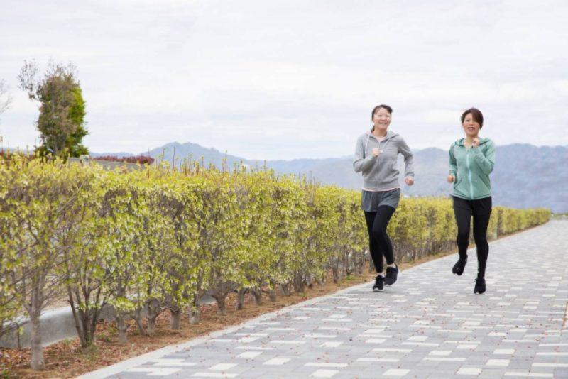 マラソン ジョギング 女性