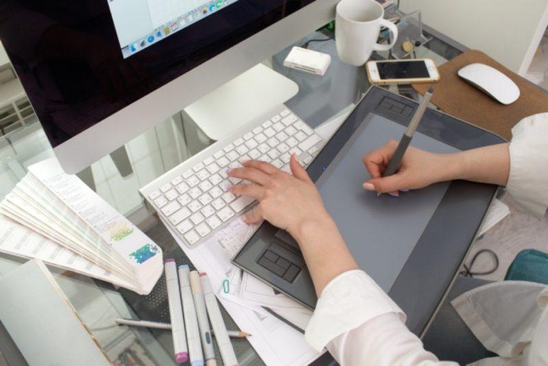 液晶タブレット ペンタブレット mac デスクトップパソコン