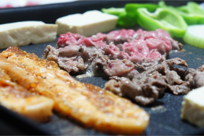 ホットプレート 鉄板 焼肉