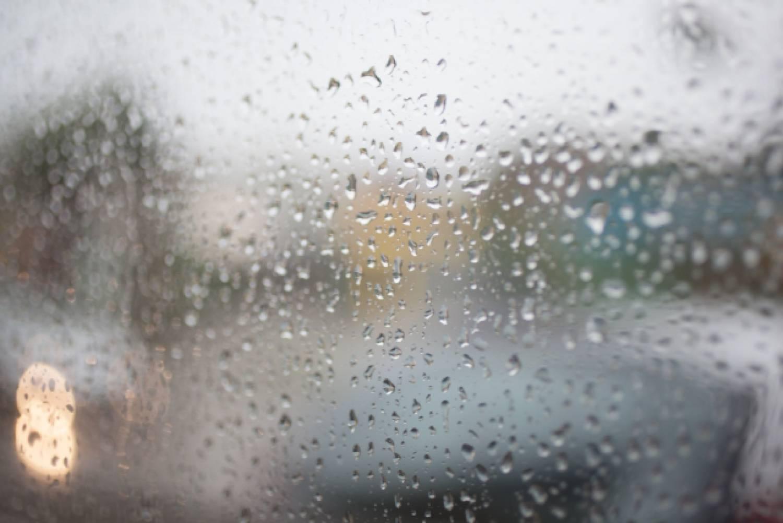 窓 住居 家 雨