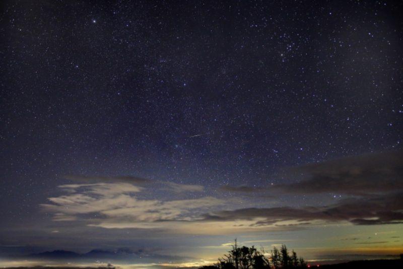 流星 夜空