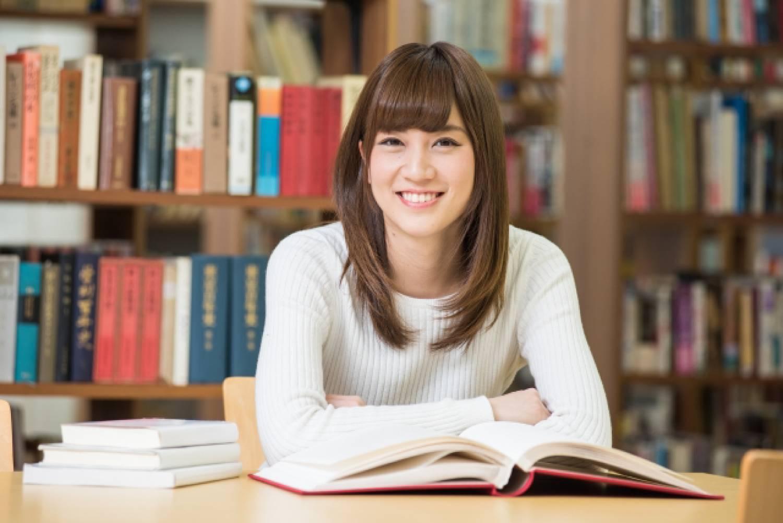 女性 読書 本